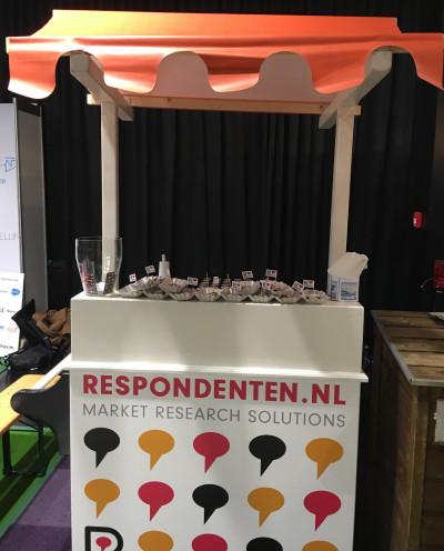 Een mooie Hollandse poffertjesbar huren inclusief benodigdheden